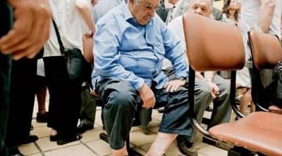 uruguay-devlet-baskani-jose-mujica-hastanede-sira-bekledi_1159133_720_400